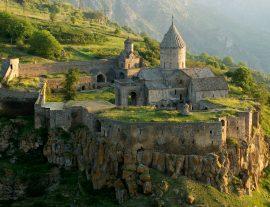 Armenia, antiche tradizioni e ospitalità