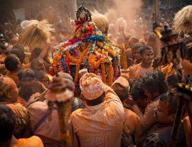 Nepal, la fiera di Gai Jatra  – Speciale 02 agosto