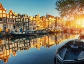 Amsterdam tra canali, mulini a vento e tulipani