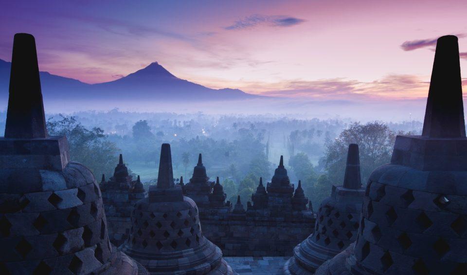 Yogyakarta: templi, foresta, vulcani
